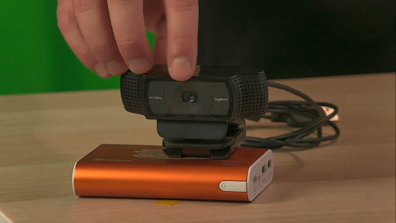 best-streaming-camera-webcam-logitech